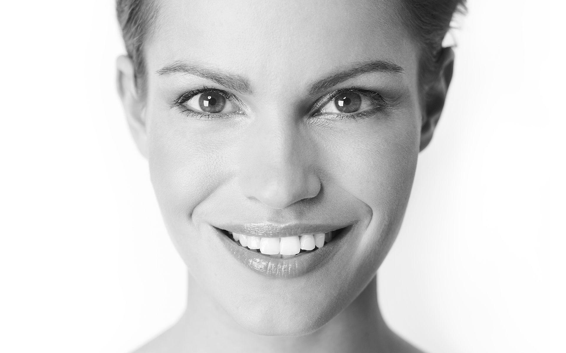 Gesichtsbehandlungen Gegen Falten Doppelkinn Altershaut